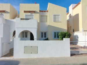 This three-bedroom, two-bathroom ground floor apartment on the Costa Blanca is located close to Villamartin and all of its shops, restaurants, golf courses and beaches. The apartment benefits from a large front garden and off-road parking. Inside, the spacious, fully furnished property boasts a lounge/diner, kitchen, modern bathroom and three double bedrooms. There is also hot and cold air-conditioning throughout. It is on the market for €70,000 (approx. £57,000)
