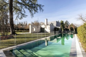 A luxurious six bedroom chalet in Madrid priced at €4,300,000